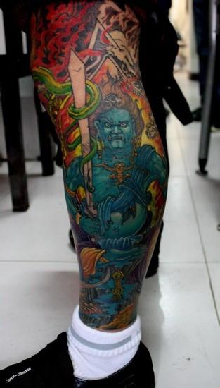 由龙纹身分享 小腿彩绘纹身图案