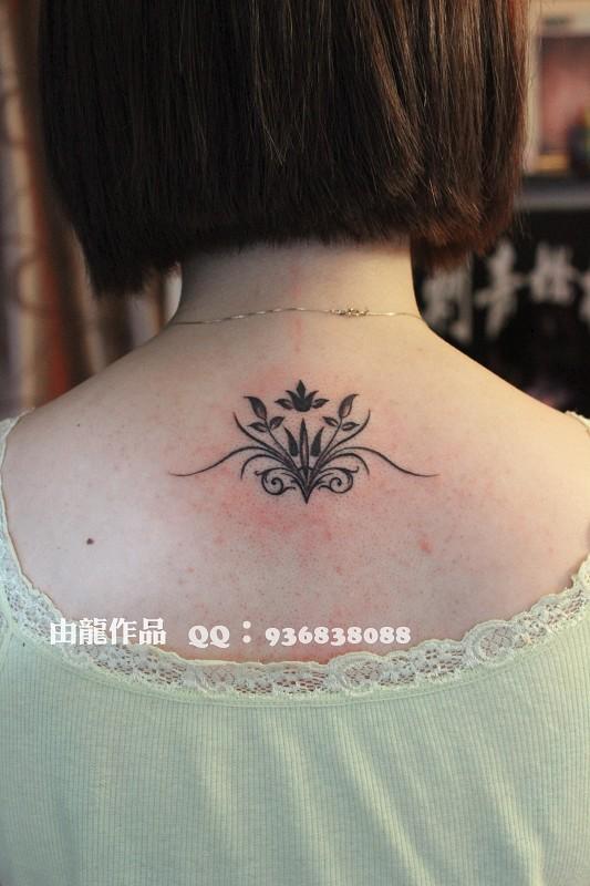由龙作品女生纹身图案