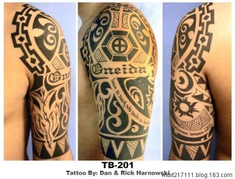 男生手臂图腾纹身高清图片