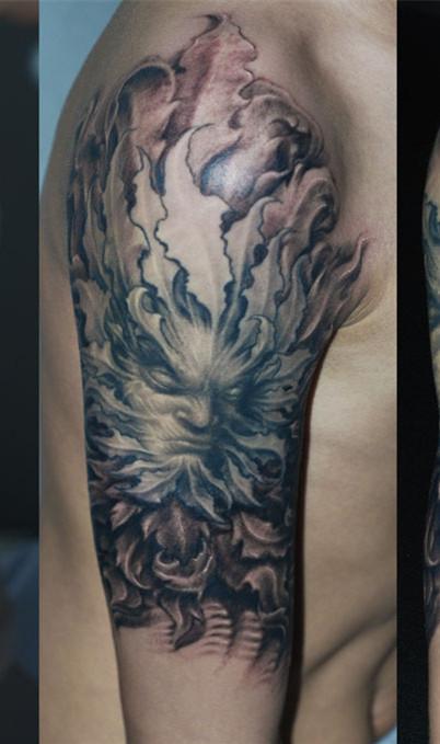 男生手臂纹身图案